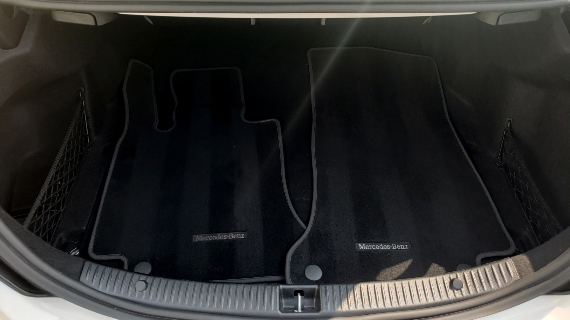 Used 2018 Mercedes-Benz C-CLASS C 300 PREMIUM / KEYLESS-GO / APPLE / PANO-ROOF / REARVIEW for sale $28,295 at Formula Imports in Charlotte NC 28227 16