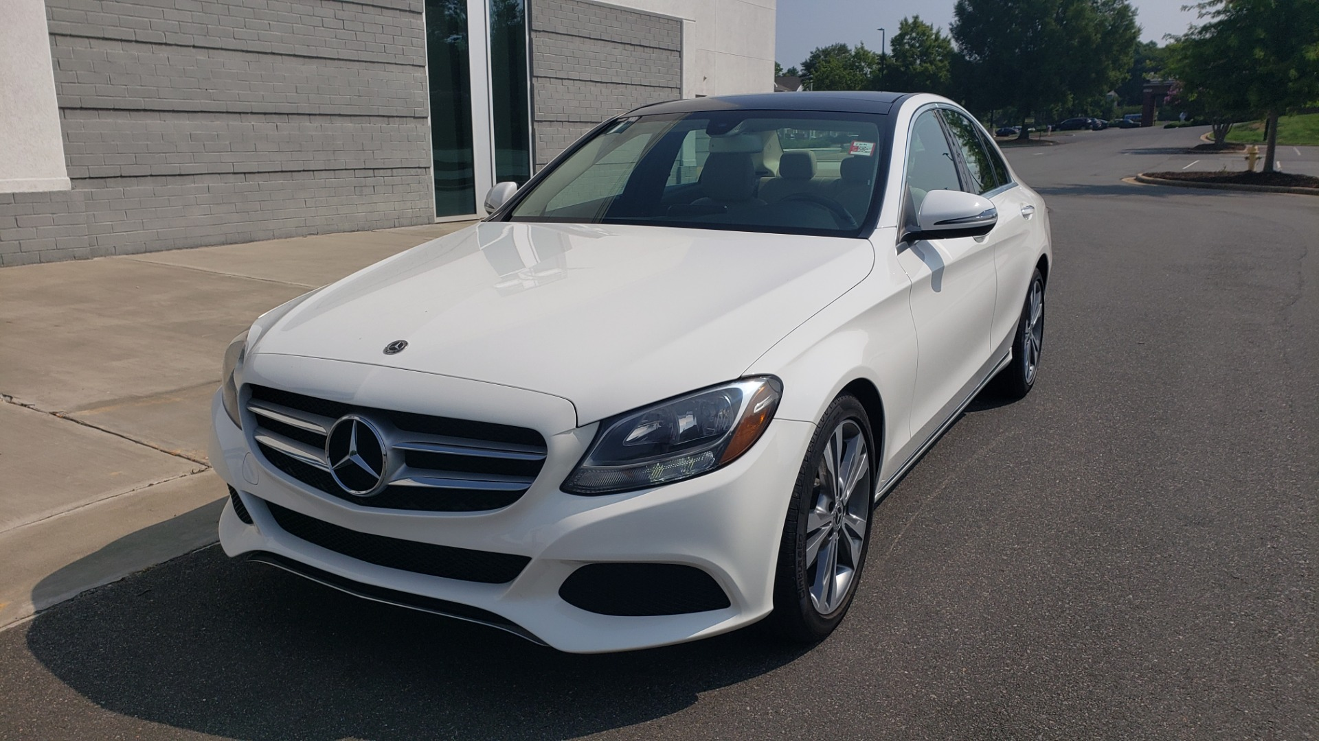 Used 2018 Mercedes-Benz C-CLASS C 300 PREMIUM / KEYLESS-GO / APPLE / PANO-ROOF / REARVIEW for sale $28,295 at Formula Imports in Charlotte NC 28227 3