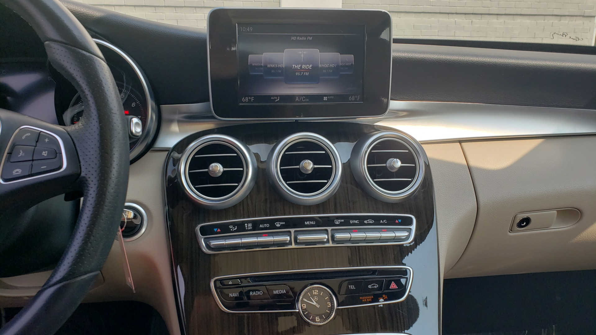 Used 2018 Mercedes-Benz C-CLASS C 300 PREMIUM / KEYLESS-GO / APPLE / PANO-ROOF / REARVIEW for sale $28,295 at Formula Imports in Charlotte NC 28227 41