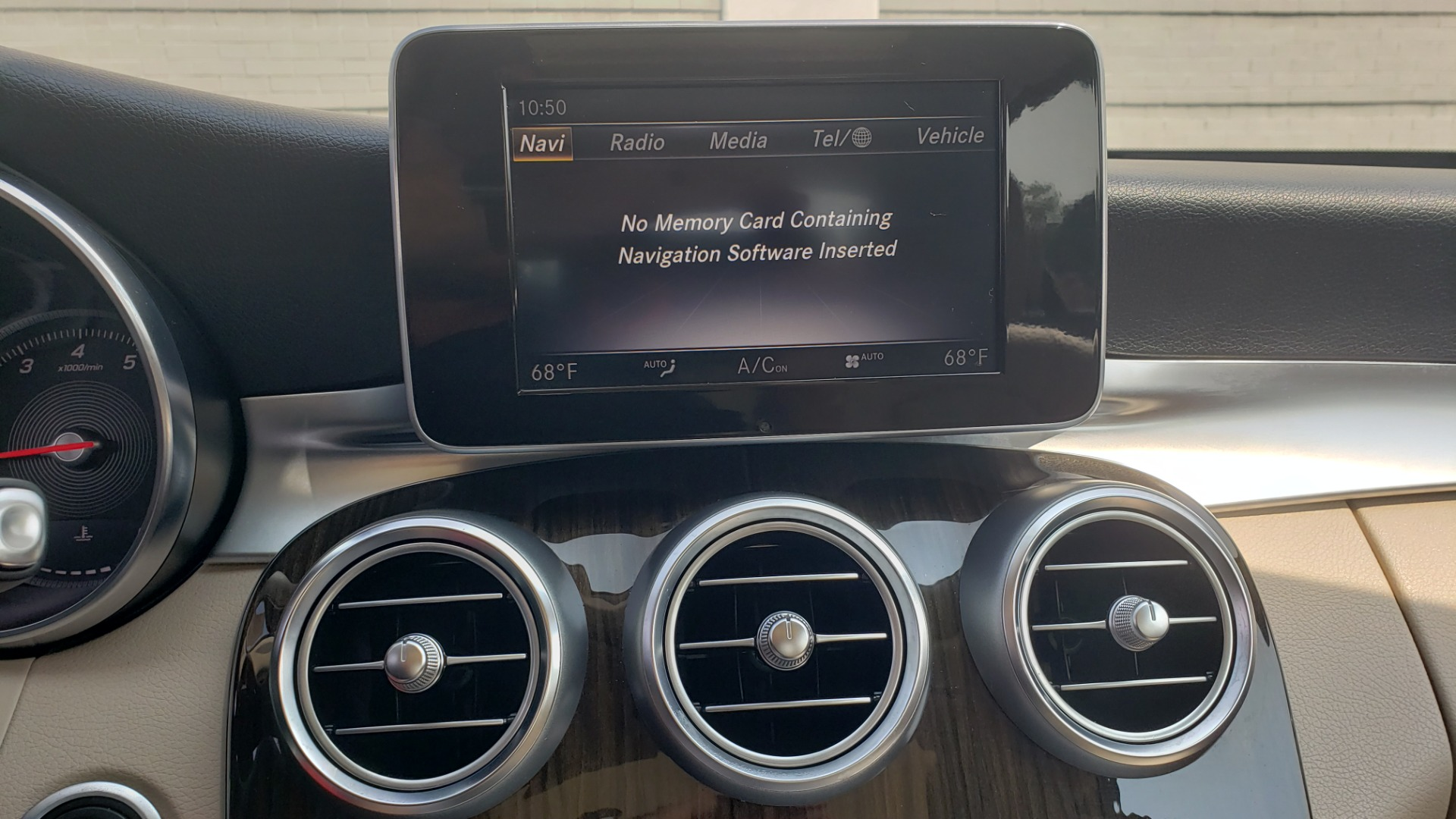 Used 2018 Mercedes-Benz C-CLASS C 300 PREMIUM / KEYLESS-GO / APPLE / PANO-ROOF / REARVIEW for sale $28,295 at Formula Imports in Charlotte NC 28227 43