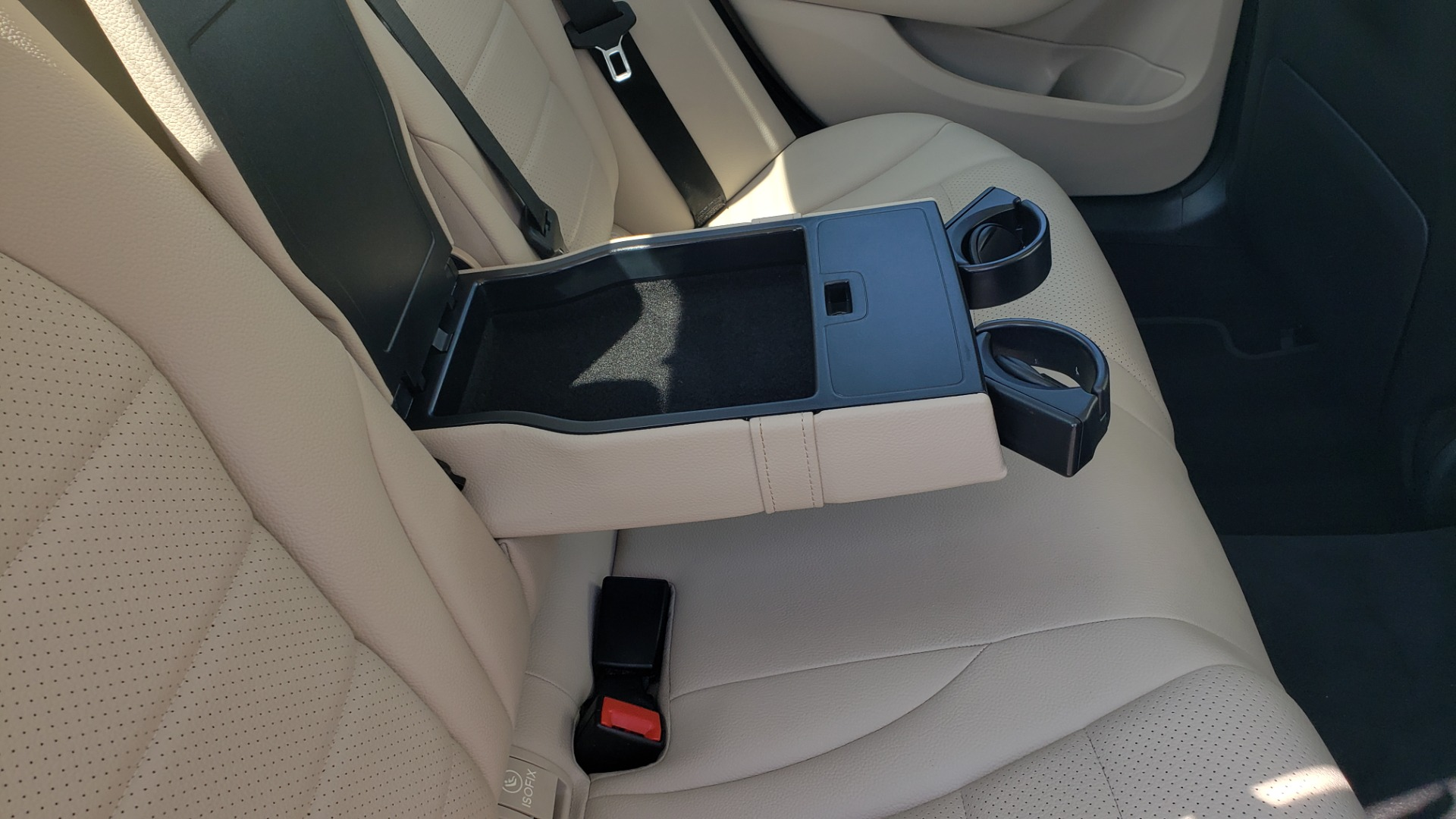 Used 2018 Mercedes-Benz C-CLASS C 300 PREMIUM / KEYLESS-GO / APPLE / PANO-ROOF / REARVIEW for sale $28,295 at Formula Imports in Charlotte NC 28227 67