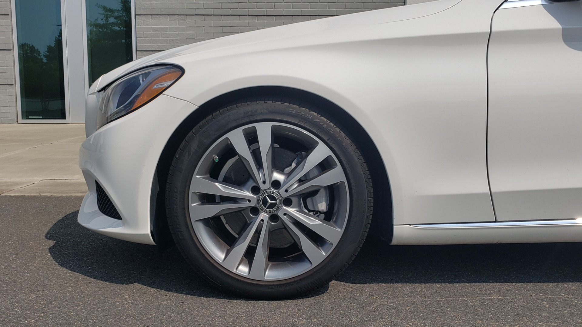 Used 2018 Mercedes-Benz C-CLASS C 300 PREMIUM / KEYLESS-GO / APPLE / PANO-ROOF / REARVIEW for sale $28,295 at Formula Imports in Charlotte NC 28227 72