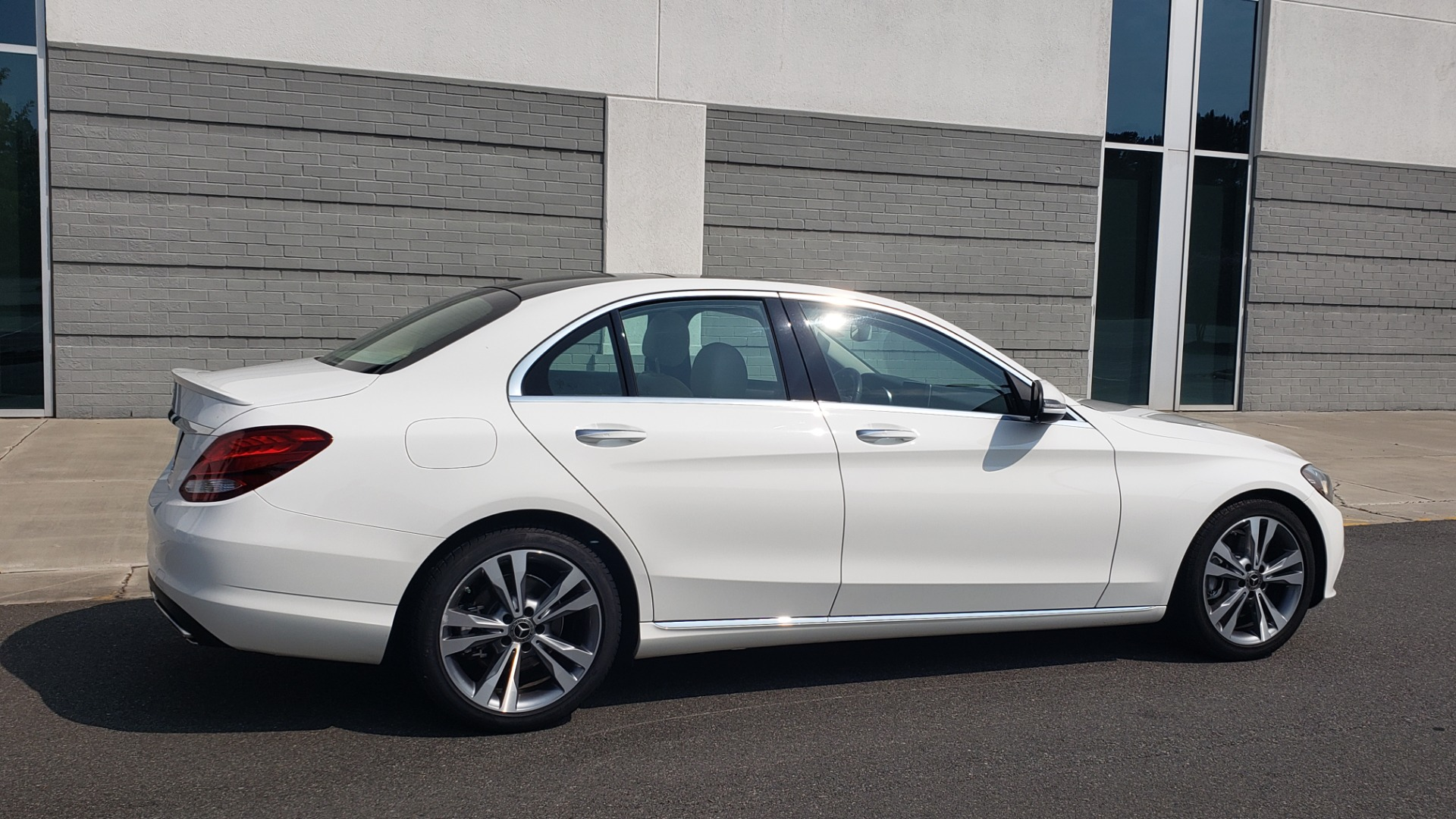 Used 2018 Mercedes-Benz C-CLASS C 300 PREMIUM / KEYLESS-GO / APPLE / PANO-ROOF / REARVIEW for sale $28,295 at Formula Imports in Charlotte NC 28227 8