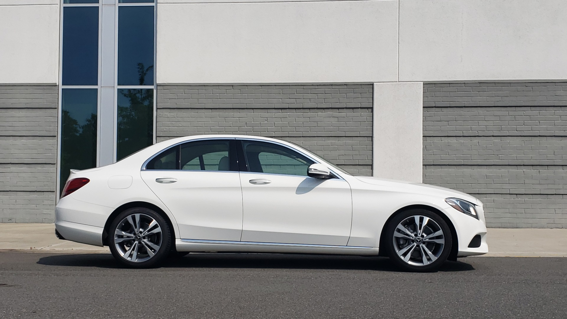 Used 2018 Mercedes-Benz C-CLASS C 300 PREMIUM / KEYLESS-GO / APPLE / PANO-ROOF / REARVIEW for sale $28,295 at Formula Imports in Charlotte NC 28227 9