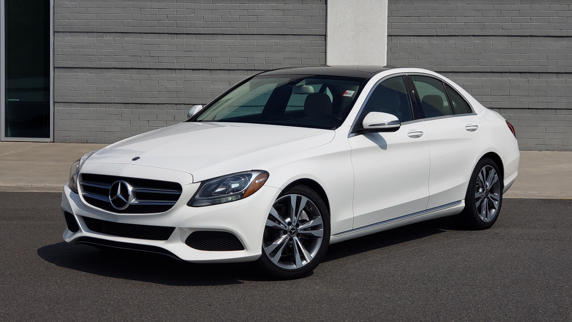Used 2018 Mercedes-Benz C-CLASS C 300 PREMIUM / KEYLESS-GO / APPLE / PANO-ROOF / REARVIEW for sale $28,295 at Formula Imports in Charlotte NC 28227 1