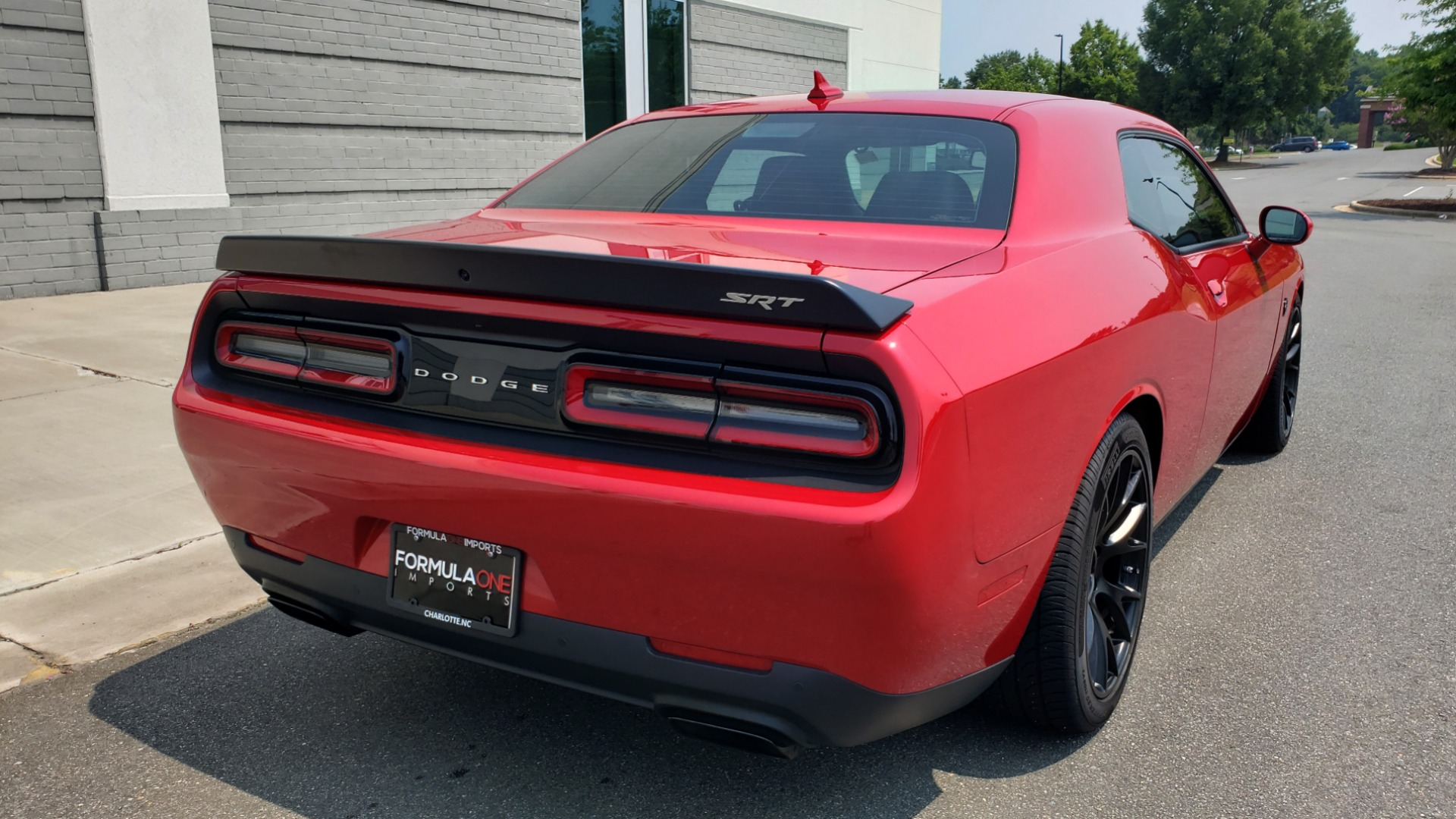 Used 2016 Dodge CHALLENGER SRT HELLCAT 707HP COUPE / AUTO / NAV / SUNROOF / H/K SND / REARVIEW for sale $60,995 at Formula Imports in Charlotte NC 28227 11