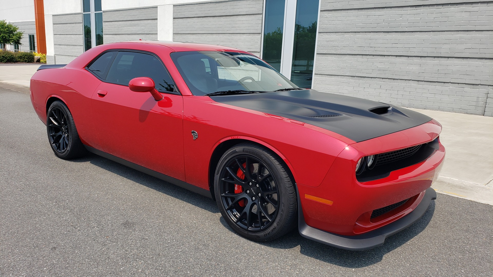 Used 2016 Dodge CHALLENGER SRT HELLCAT 707HP COUPE / AUTO / NAV / SUNROOF / H/K SND / REARVIEW for sale $60,995 at Formula Imports in Charlotte NC 28227 14