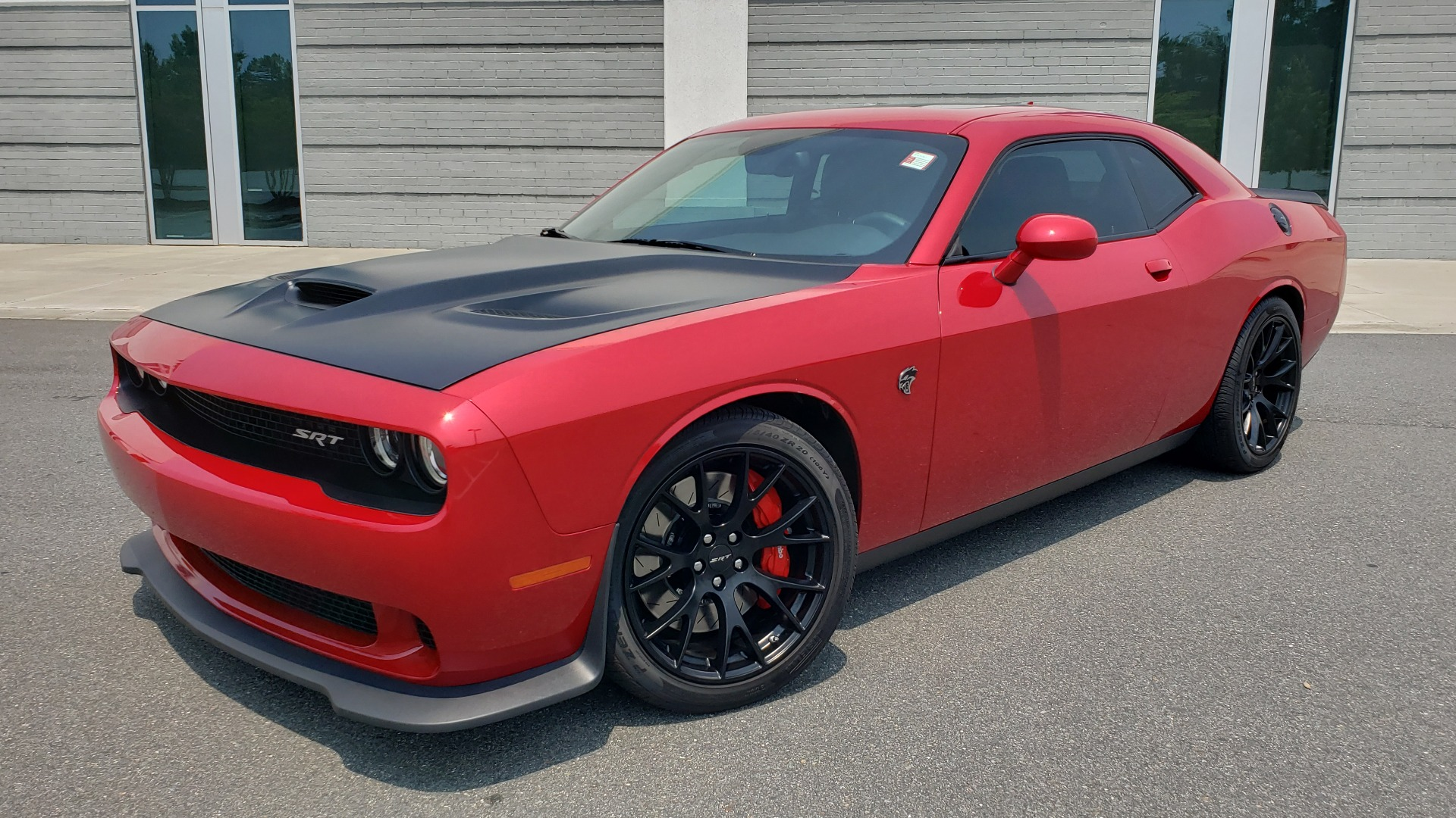 Used 2016 Dodge CHALLENGER SRT HELLCAT 707HP COUPE / AUTO / NAV / SUNROOF / H/K SND / REARVIEW for sale $60,995 at Formula Imports in Charlotte NC 28227 2