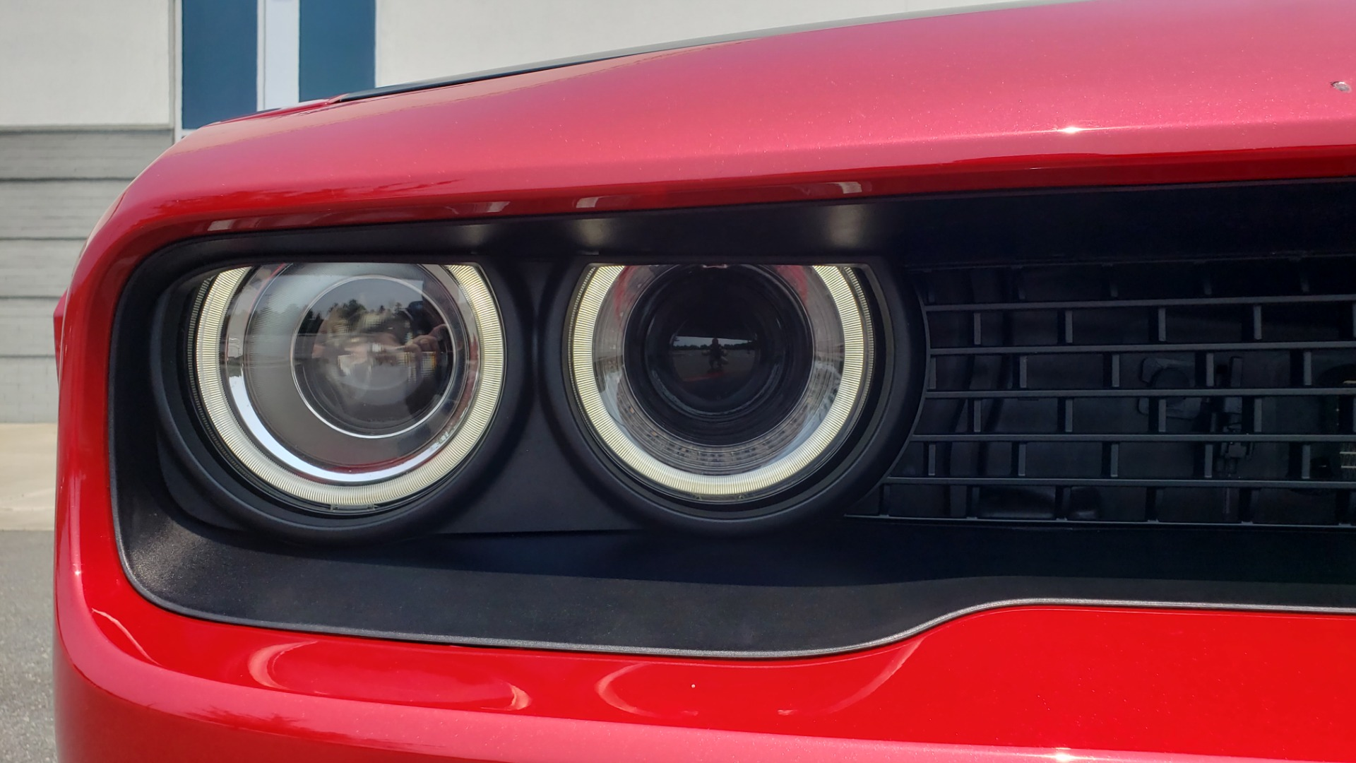 Used 2016 Dodge CHALLENGER SRT HELLCAT 707HP COUPE / AUTO / NAV / SUNROOF / H/K SND / REARVIEW for sale $60,995 at Formula Imports in Charlotte NC 28227 25