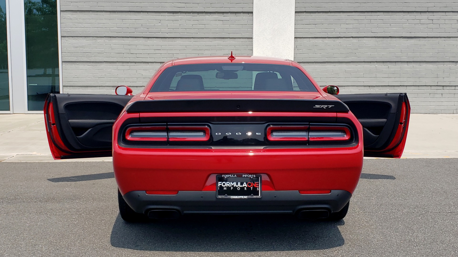 Used 2016 Dodge CHALLENGER SRT HELLCAT 707HP COUPE / AUTO / NAV / SUNROOF / H/K SND / REARVIEW for sale $60,995 at Formula Imports in Charlotte NC 28227 30