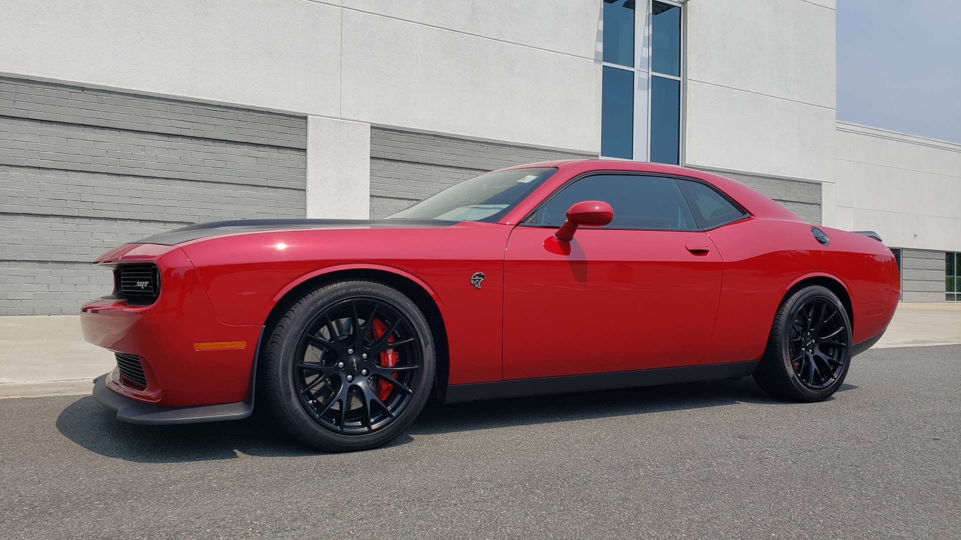 Used 2016 Dodge CHALLENGER SRT HELLCAT 707HP COUPE / AUTO / NAV / SUNROOF / H/K SND / REARVIEW for sale $60,995 at Formula Imports in Charlotte NC 28227 4