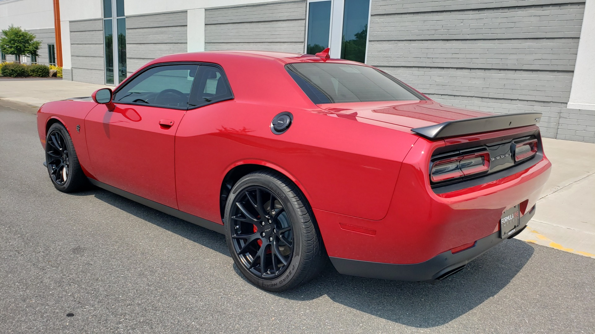 Used 2016 Dodge CHALLENGER SRT HELLCAT 707HP COUPE / AUTO / NAV / SUNROOF / H/K SND / REARVIEW for sale $60,995 at Formula Imports in Charlotte NC 28227 6