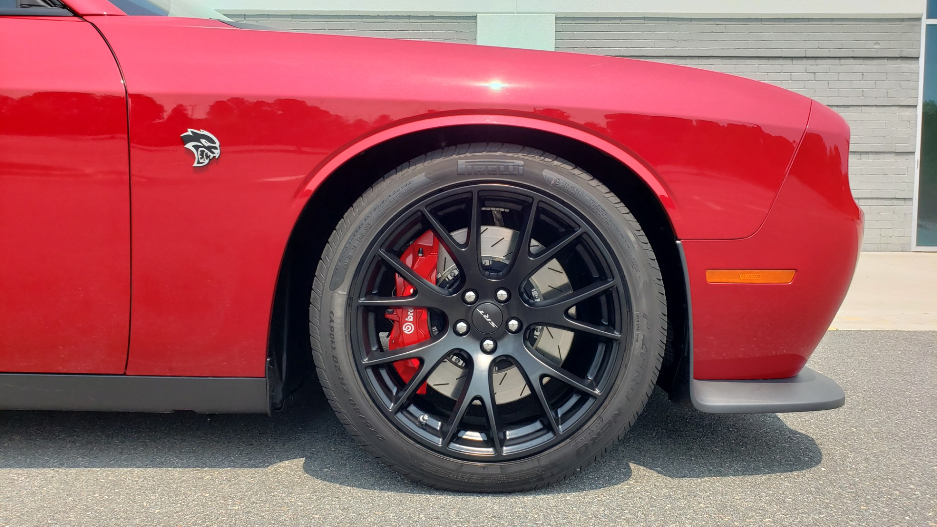 Used 2016 Dodge CHALLENGER SRT HELLCAT 707HP COUPE / AUTO / NAV / SUNROOF / H/K SND / REARVIEW for sale $60,995 at Formula Imports in Charlotte NC 28227 82
