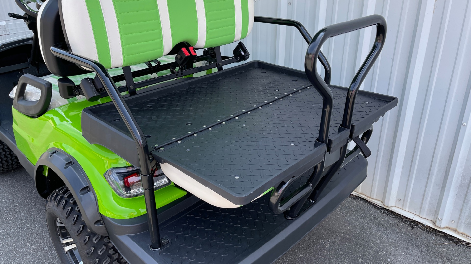 Used 2021 ICON i40L LIFTED ELECTRIC CAR / 4-PASSENGER GOLF CART / 25MPH / NEW / 1-MILE for sale $9,499 at Formula Imports in Charlotte NC 28227 14