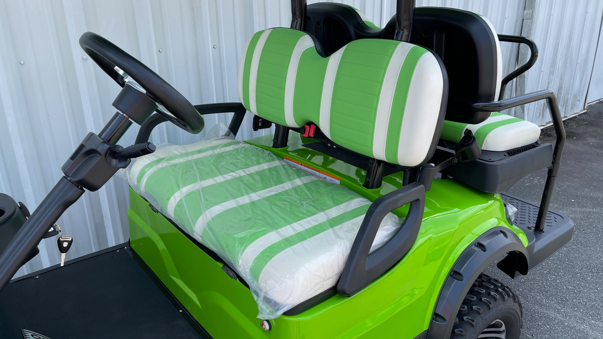 Used 2021 ICON i40L LIFTED ELECTRIC CAR / 4-PASSENGER GOLF CART / 25MPH / NEW / 1-MILE for sale $9,499 at Formula Imports in Charlotte NC 28227 15