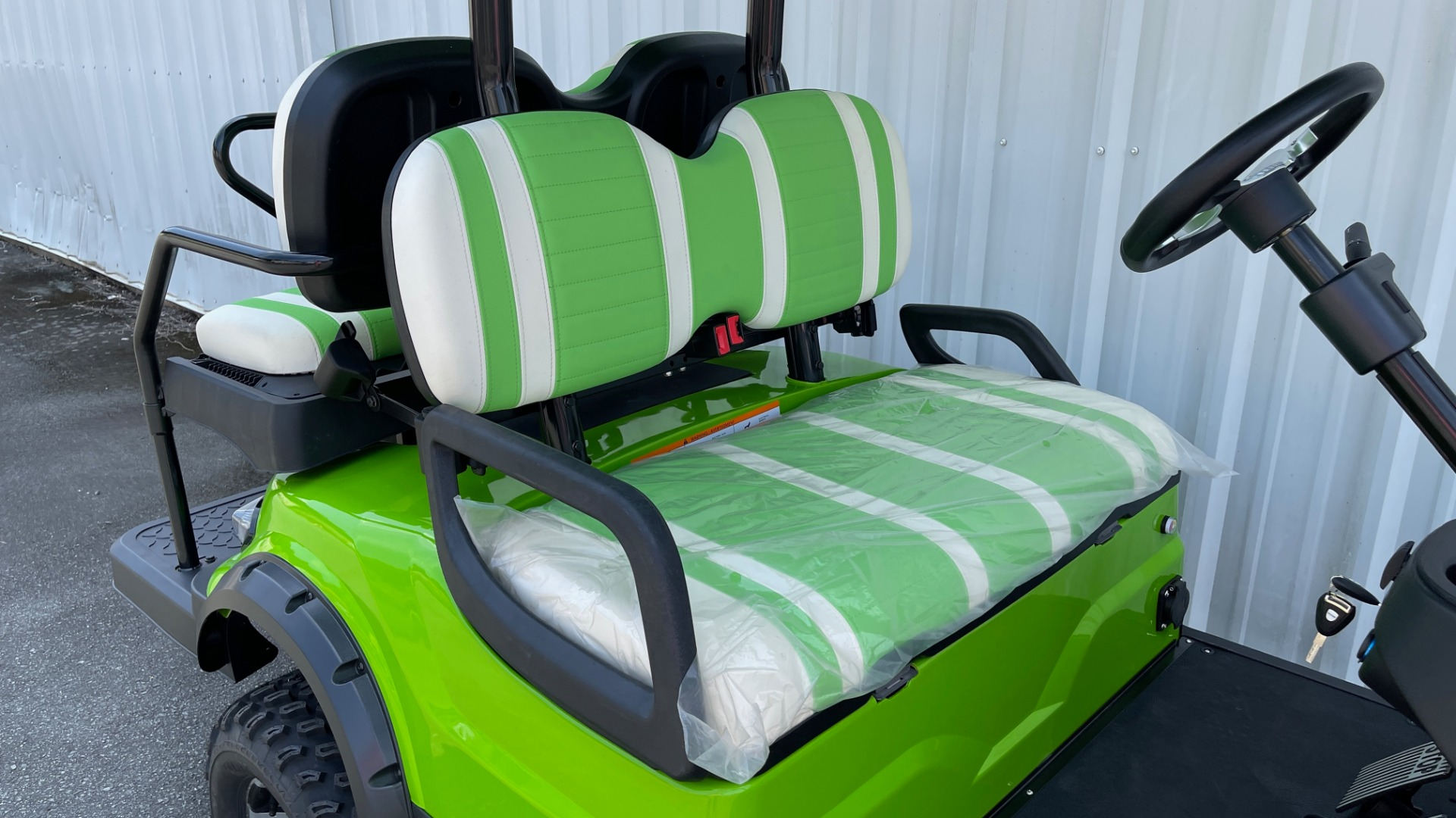 Used 2021 ICON i40L LIFTED ELECTRIC CAR / 4-PASSENGER GOLF CART / 25MPH / NEW / 1-MILE for sale $9,499 at Formula Imports in Charlotte NC 28227 33