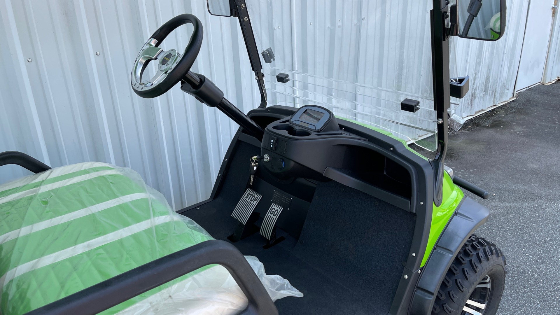Used 2021 ICON i40L LIFTED ELECTRIC CAR / 4-PASSENGER GOLF CART / 25MPH / NEW / 1-MILE for sale $9,499 at Formula Imports in Charlotte NC 28227 34