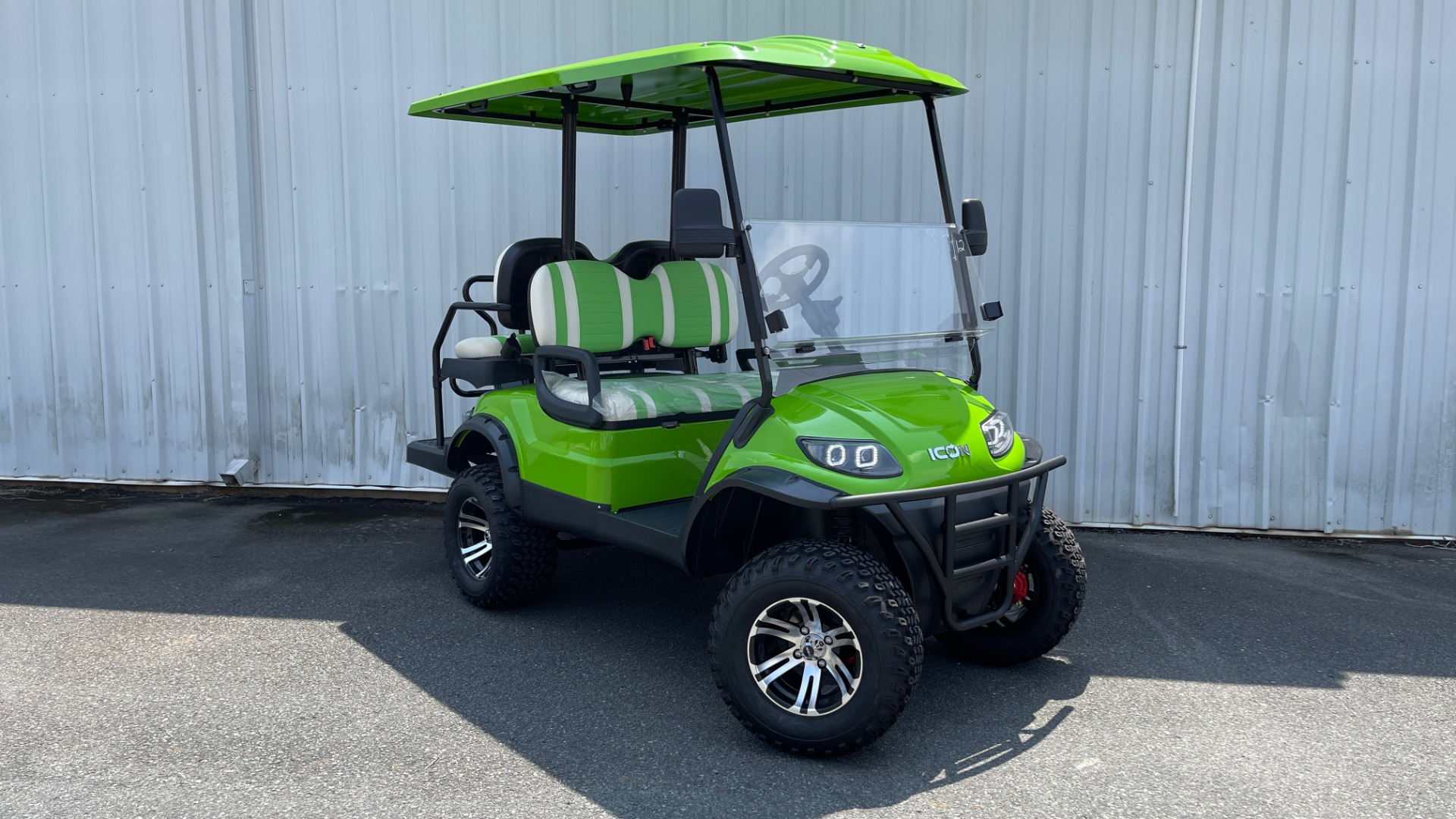 Used 2021 ICON i40L LIFTED ELECTRIC CAR / 4-PASSENGER GOLF CART / 25MPH / NEW / 1-MILE for sale $9,499 at Formula Imports in Charlotte NC 28227 5