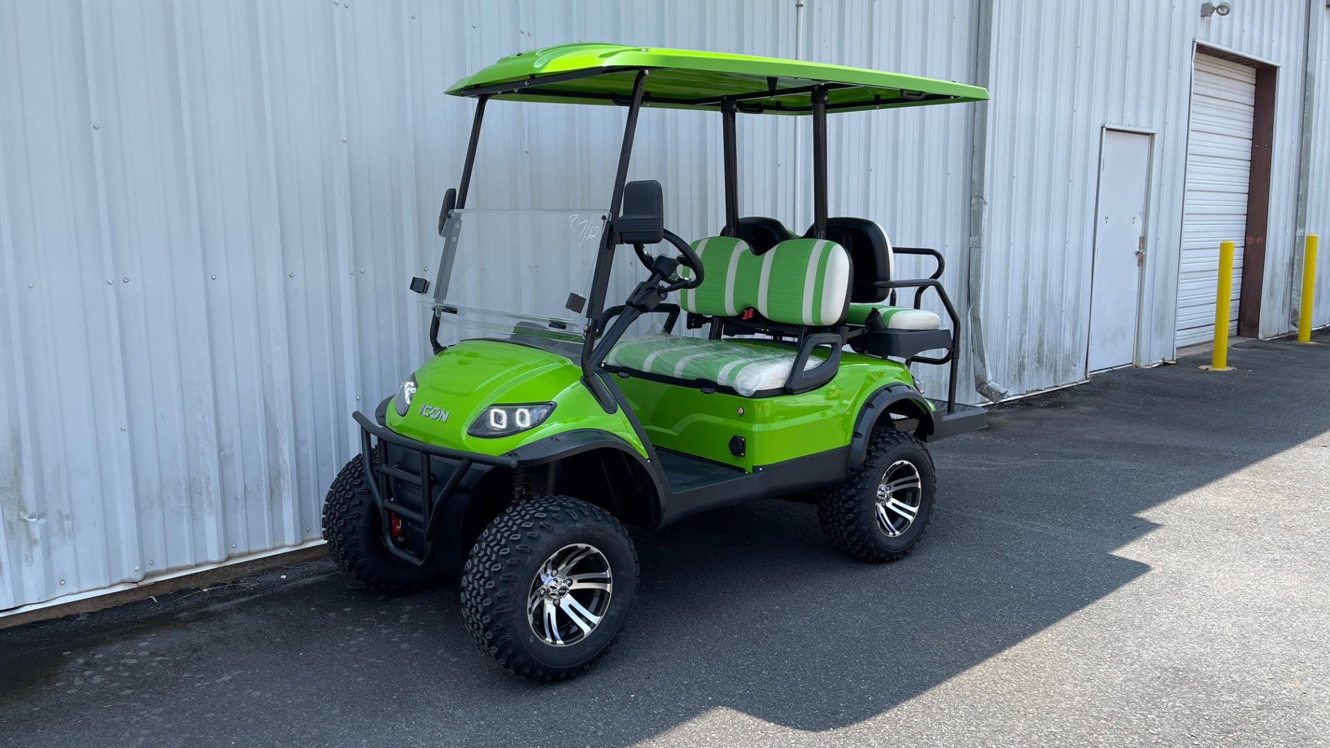 Used 2021 ICON i40L LIFTED ELECTRIC CAR / 4-PASSENGER GOLF CART / 25MPH / NEW / 1-MILE for sale $9,499 at Formula Imports in Charlotte NC 28227 1