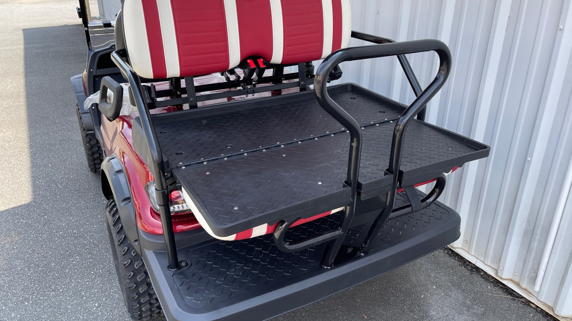 Used 2021 ICON i40L LIFTED ELECTRIC CAR / 4-PASSENGER GOLF CART / 25MPH / NEW / 2-MILE for sale $9,499 at Formula Imports in Charlotte NC 28227 13