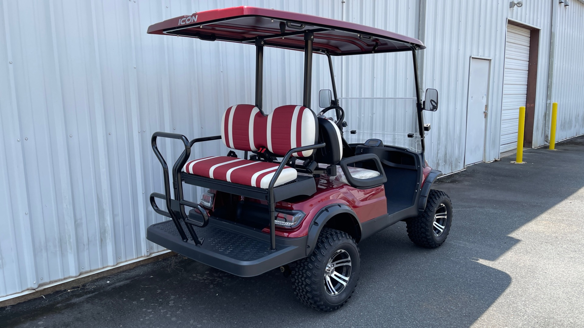 Used 2021 ICON i40L LIFTED ELECTRIC CAR / 4-PASSENGER GOLF CART / 25MPH / NEW / 2-MILE for sale $9,499 at Formula Imports in Charlotte NC 28227 2