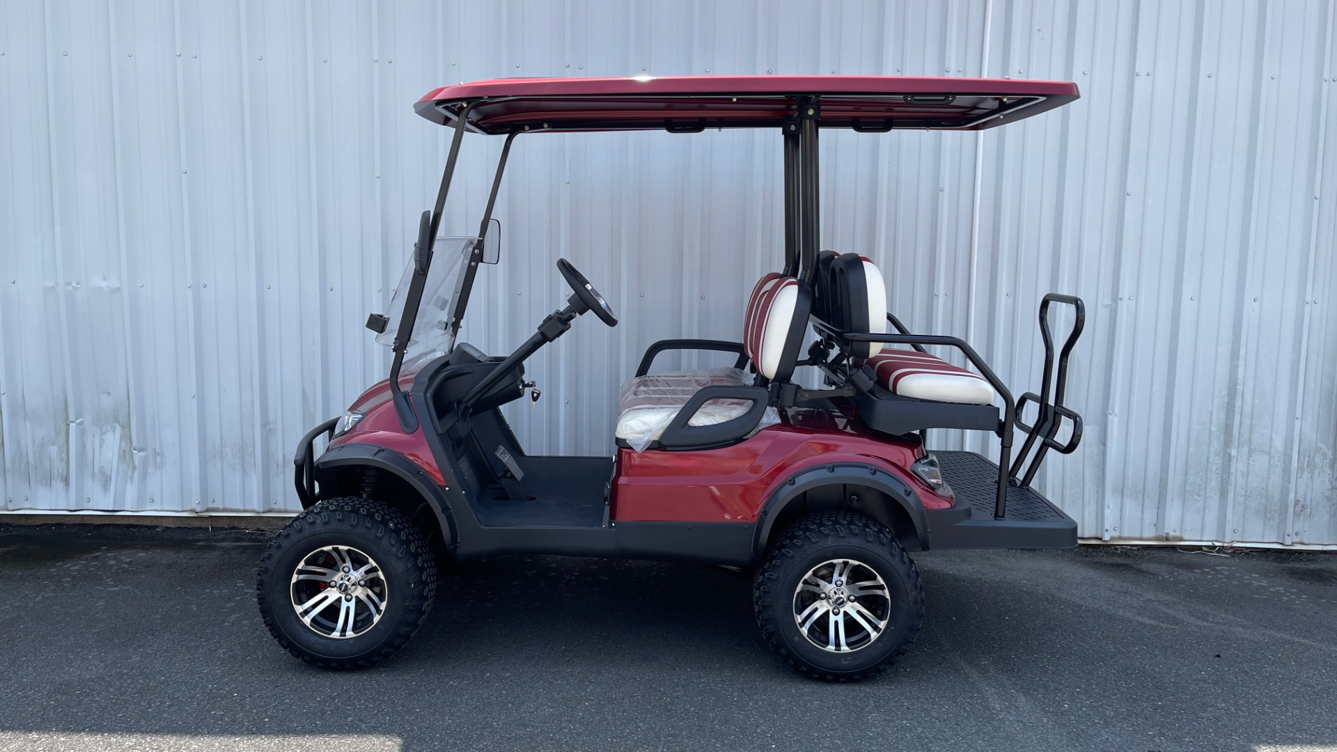 Used 2021 ICON i40L LIFTED ELECTRIC CAR / 4-PASSENGER GOLF CART / 25MPH / NEW / 2-MILE for sale $9,499 at Formula Imports in Charlotte NC 28227 3