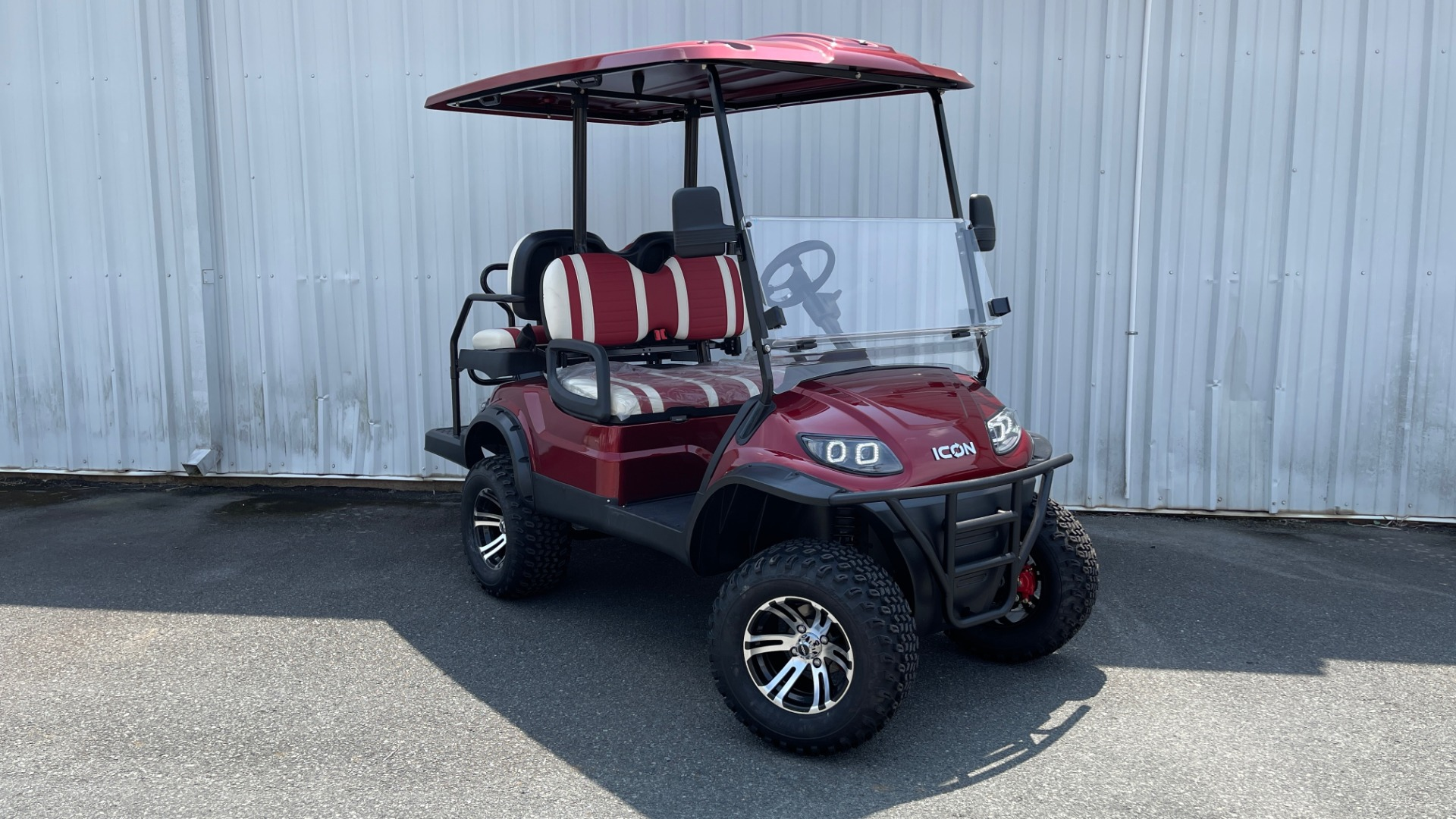 Used 2021 ICON i40L LIFTED ELECTRIC CAR / 4-PASSENGER GOLF CART / 25MPH / NEW / 2-MILE for sale $9,499 at Formula Imports in Charlotte NC 28227 5