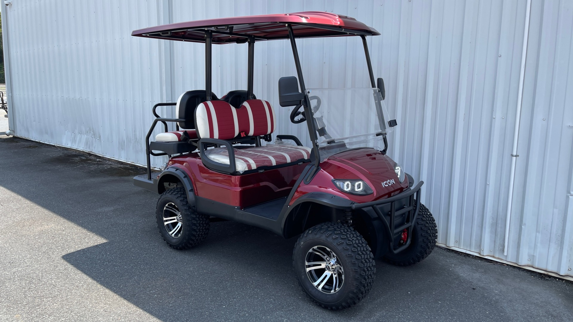 Used 2021 ICON i40L LIFTED ELECTRIC CAR / 4-PASSENGER GOLF CART / 25MPH / NEW / 2-MILE for sale $9,499 at Formula Imports in Charlotte NC 28227 6