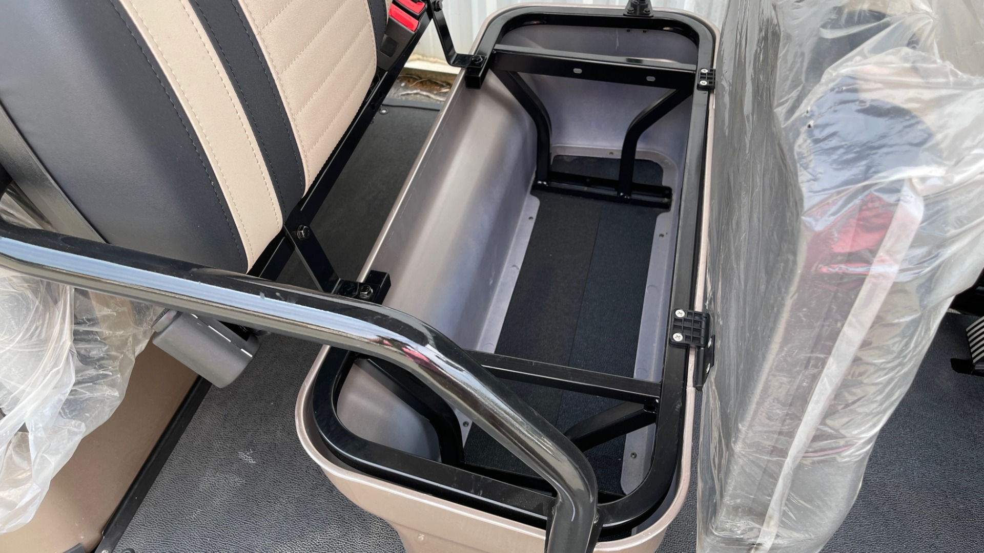 Used 2021 ICON I60L LIFTED ELECTRIC CAR / 6-PASSENGER GOLF CART / 25MPH / NEW / 1-MILE for sale $11,399 at Formula Imports in Charlotte NC 28227 19