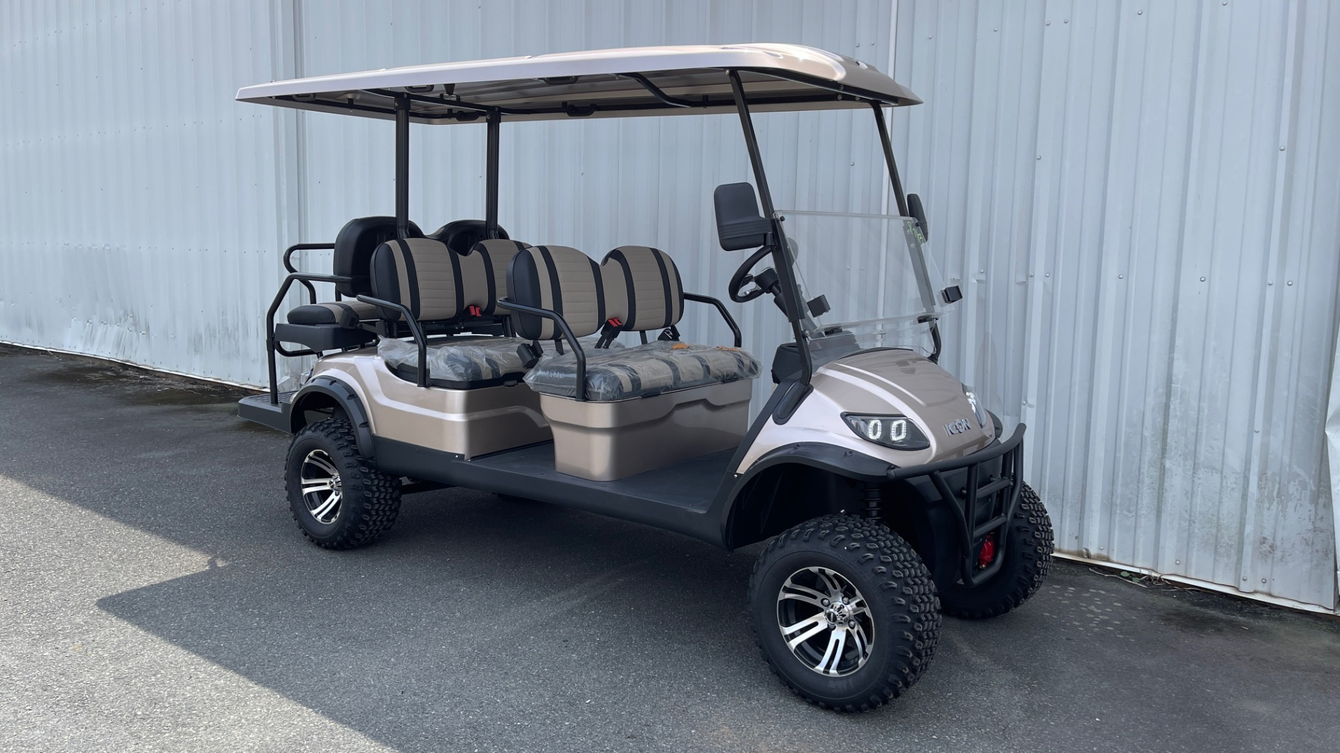 Used 2021 ICON I60L LIFTED ELECTRIC CAR / 6-PASSENGER GOLF CART / 25MPH / NEW / 1-MILE for sale $11,399 at Formula Imports in Charlotte NC 28227 2