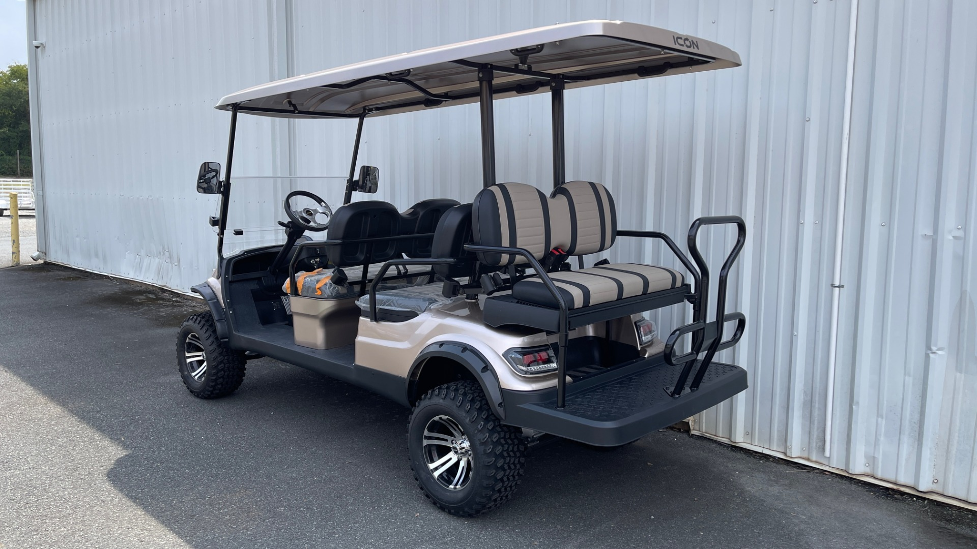 Used 2021 ICON I60L LIFTED ELECTRIC CAR / 6-PASSENGER GOLF CART / 25MPH / NEW / 1-MILE for sale $11,399 at Formula Imports in Charlotte NC 28227 3