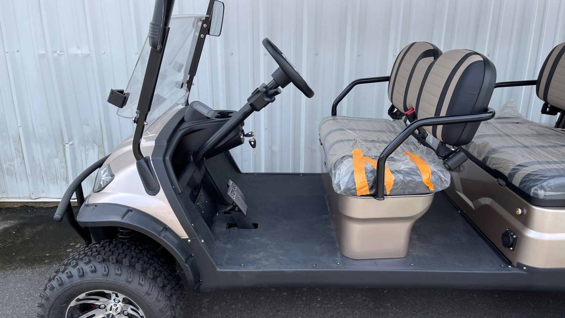 Used 2021 ICON I60L LIFTED ELECTRIC CAR / 6-PASSENGER GOLF CART / 25MPH / NEW / 1-MILE for sale $11,399 at Formula Imports in Charlotte NC 28227 32