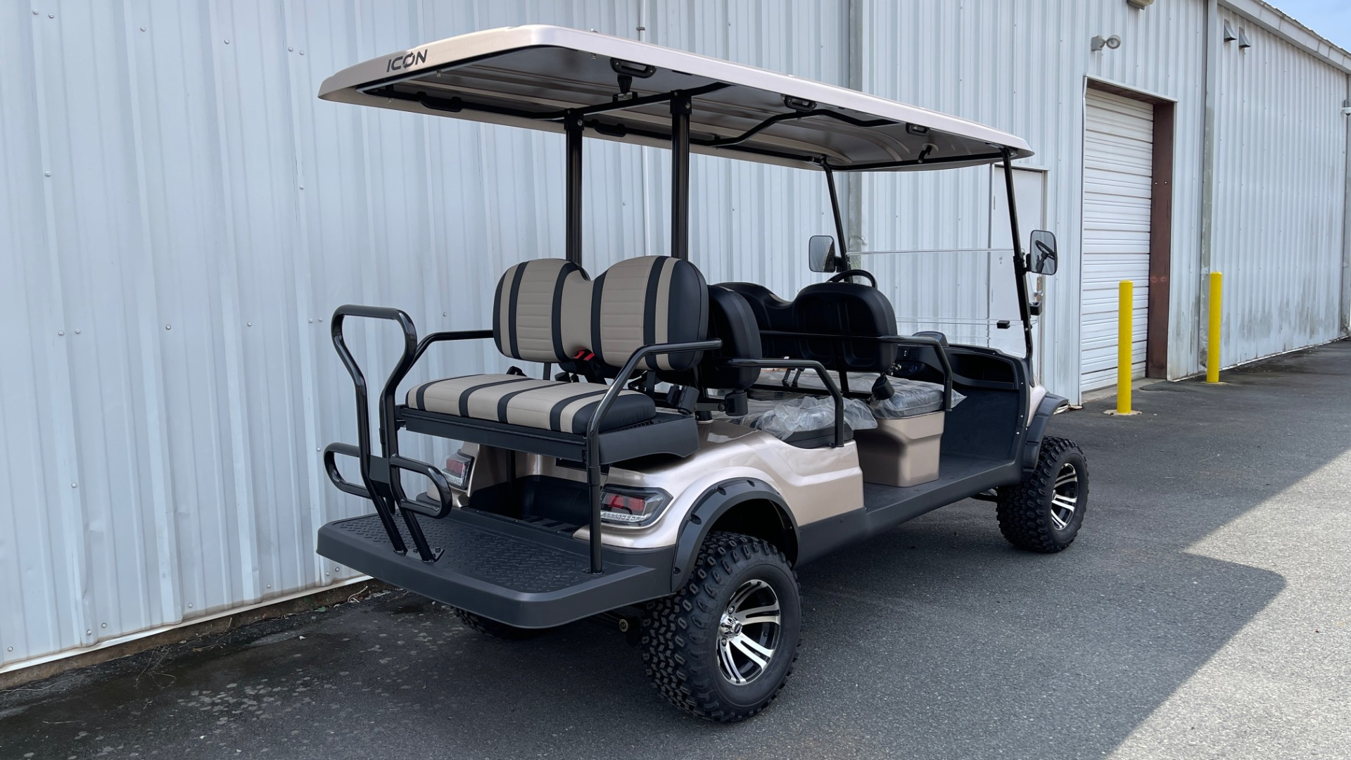 Used 2021 ICON I60L LIFTED ELECTRIC CAR / 6-PASSENGER GOLF CART / 25MPH / NEW / 1-MILE for sale $11,399 at Formula Imports in Charlotte NC 28227 4