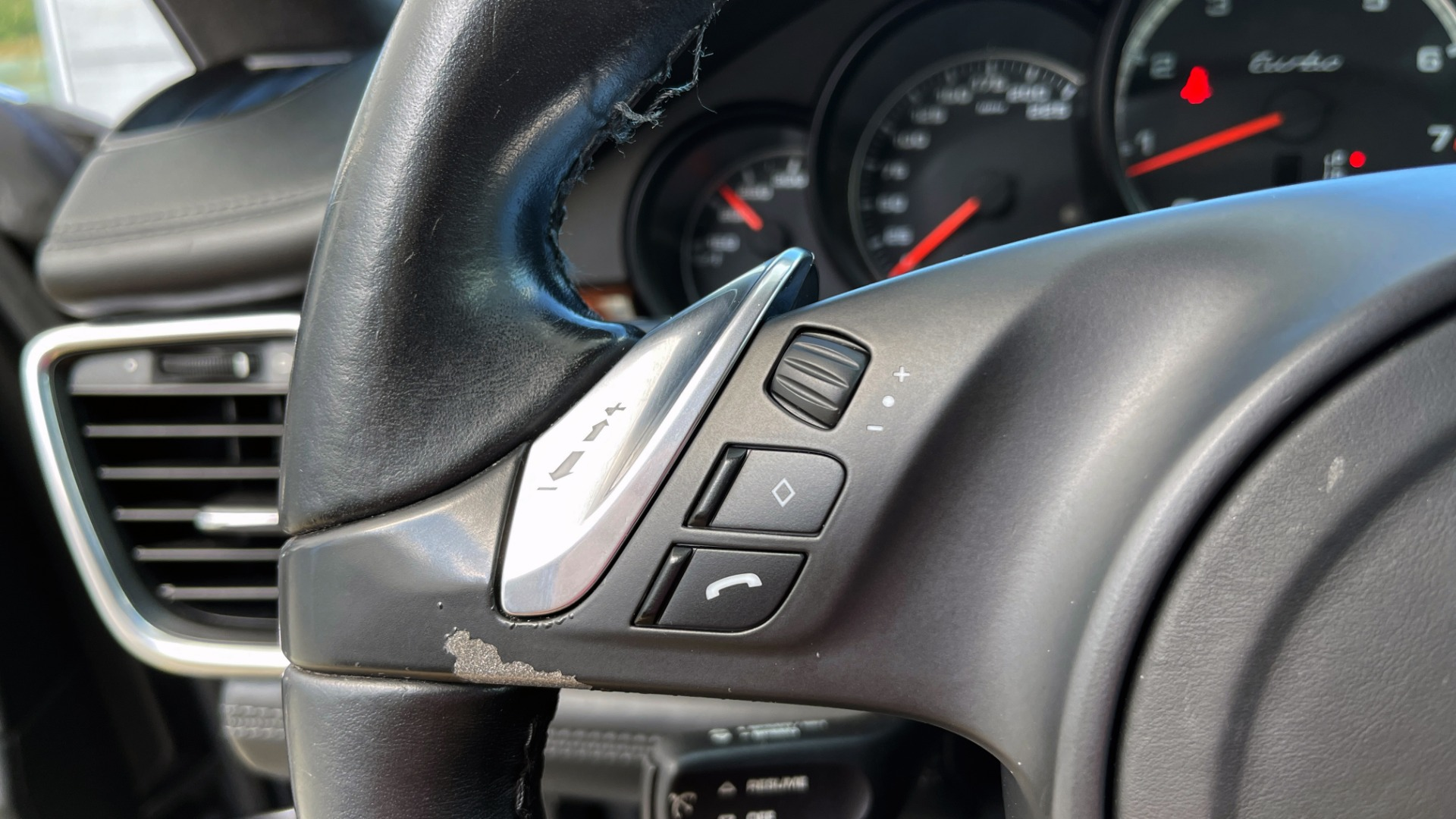 Used 2010 Porsche PANAMERA 4DR HB TURBO / SPORT CHRONO / BURMESTER / AUTO CLIMATE CONTROL for sale $40,995 at Formula Imports in Charlotte NC 28227 39