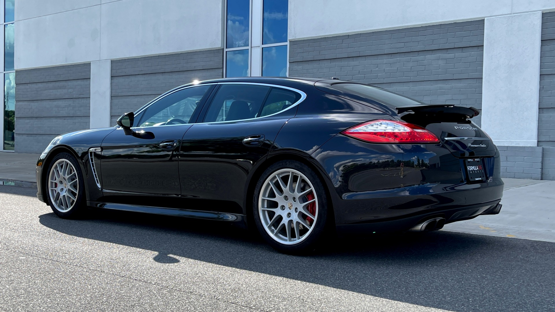 Used 2010 Porsche PANAMERA 4DR HB TURBO / SPORT CHRONO / BURMESTER / AUTO CLIMATE CONTROL for sale $40,995 at Formula Imports in Charlotte NC 28227 5