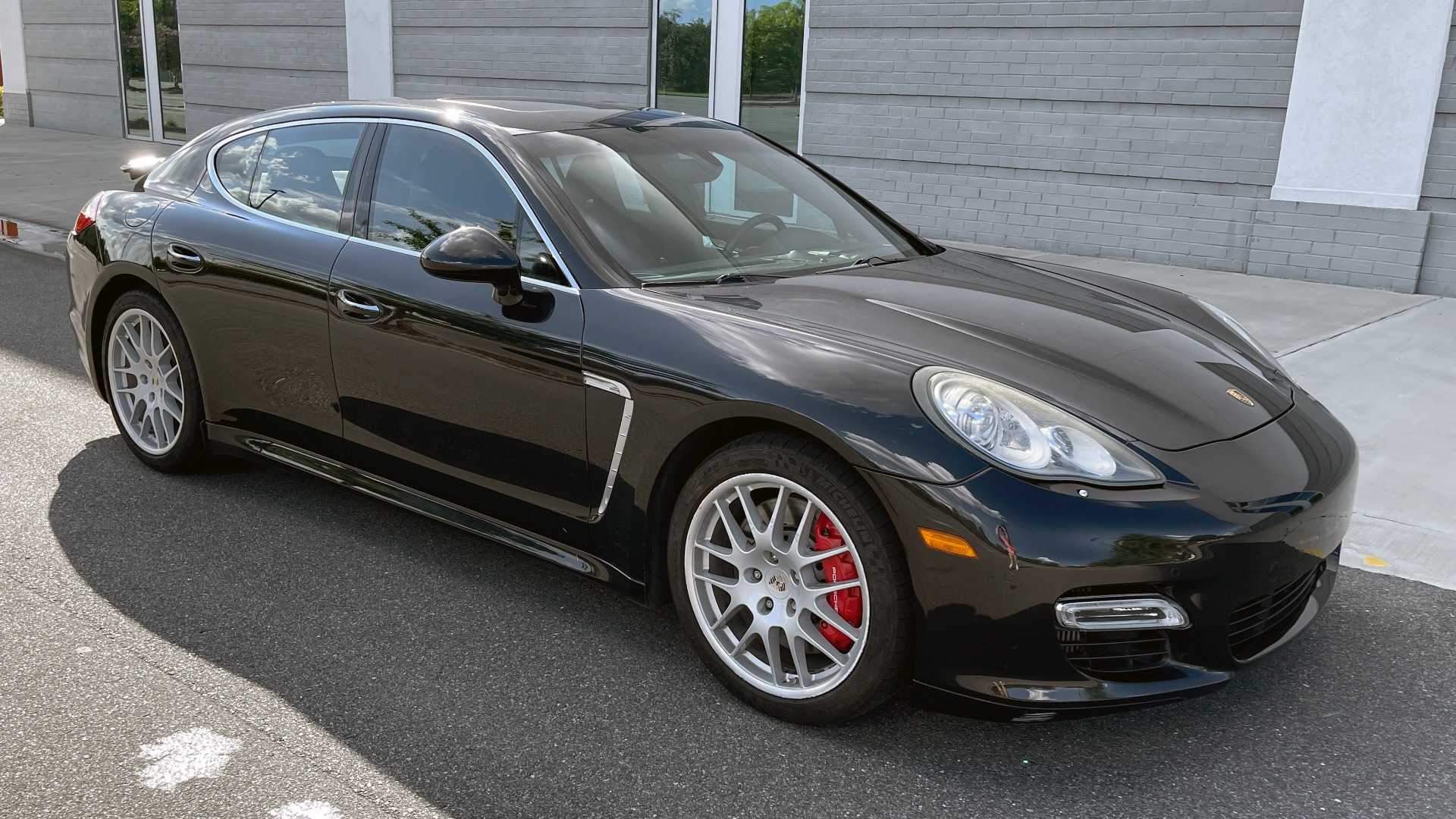 Used 2010 Porsche PANAMERA 4DR HB TURBO / SPORT CHRONO / BURMESTER / AUTO CLIMATE CONTROL for sale $40,995 at Formula Imports in Charlotte NC 28227 6