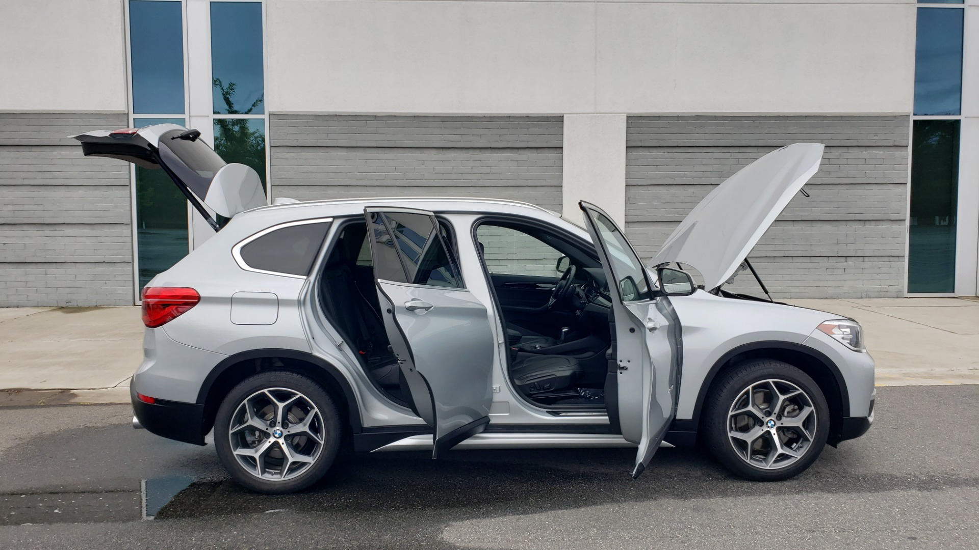 Used 2018 BMW X1 XDRIVE38I / NAV / CONV PKG / PANO-ROOF / HTD STS / REARVIEW for sale $28,995 at Formula Imports in Charlotte NC 28227 12