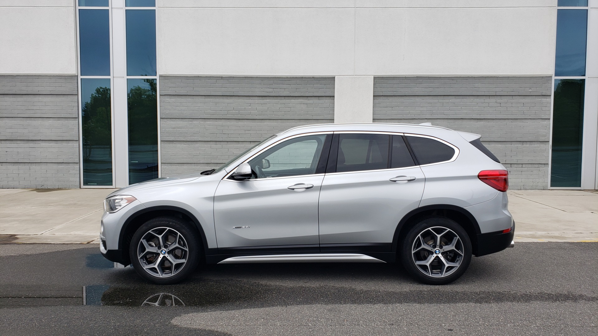 Used 2018 BMW X1 XDRIVE38I / NAV / CONV PKG / PANO-ROOF / HTD STS / REARVIEW for sale $28,995 at Formula Imports in Charlotte NC 28227 6