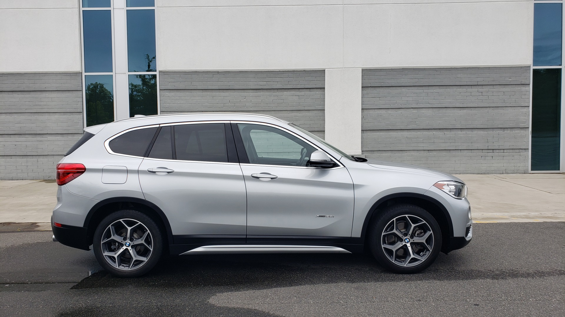 Used 2018 BMW X1 XDRIVE38I / NAV / CONV PKG / PANO-ROOF / HTD STS / REARVIEW for sale $28,995 at Formula Imports in Charlotte NC 28227 9