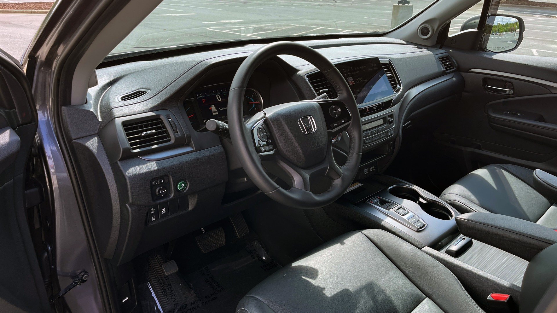 Used 2021 Honda PILOT SE / 3.5L V6 / 9-SPD AUTO / SUNROOF / 3-ROW / REARVIEW for sale $38,795 at Formula Imports in Charlotte NC 28227 27