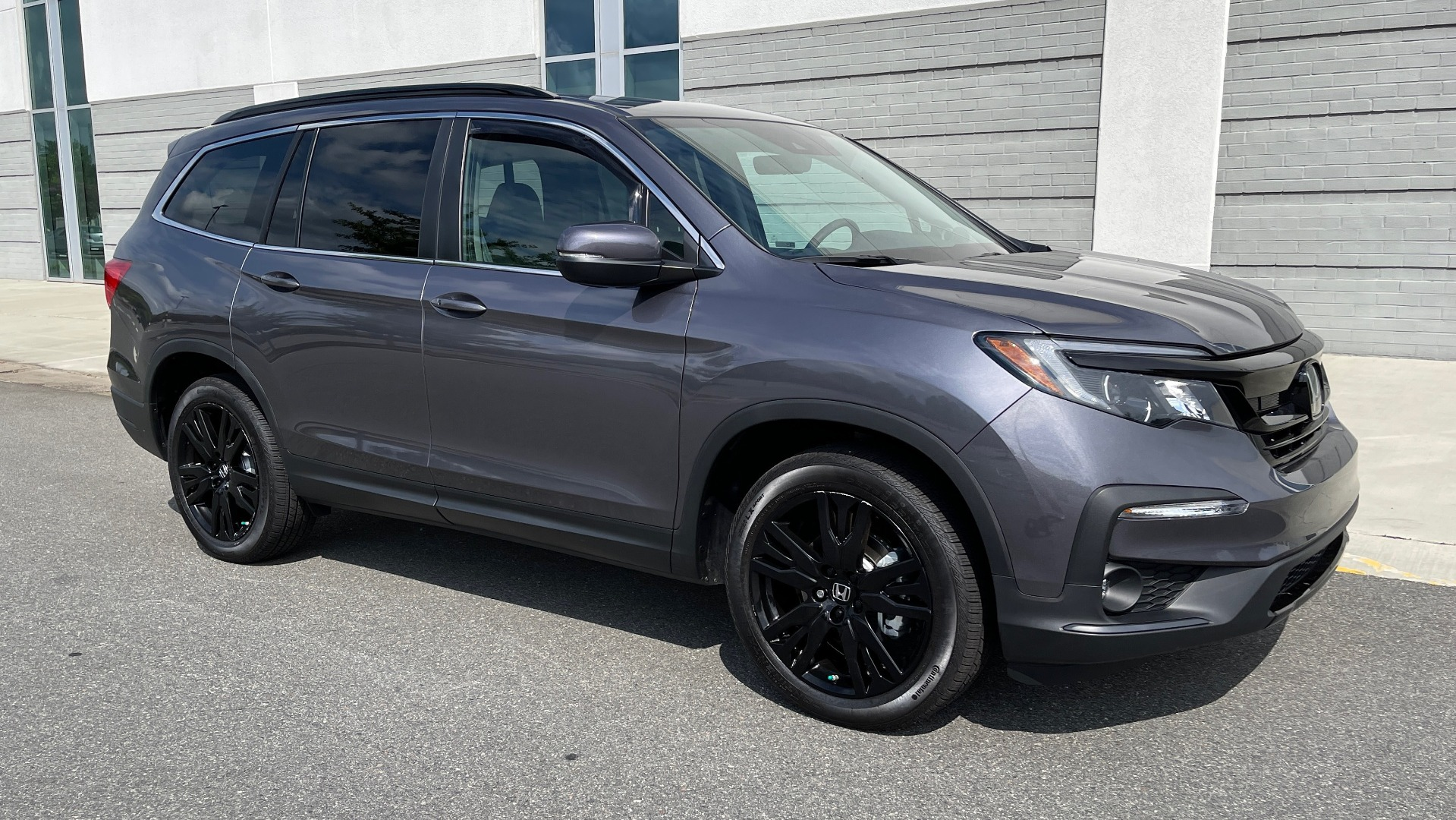Used 2021 Honda PILOT SE / 3.5L V6 / 9-SPD AUTO / SUNROOF / 3-ROW / REARVIEW for sale $38,795 at Formula Imports in Charlotte NC 28227 5