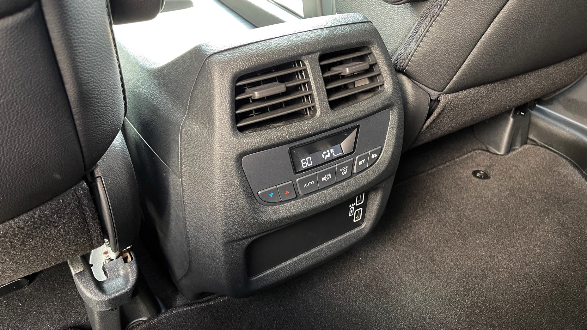 Used 2021 Honda PILOT SE / 3.5L V6 / 9-SPD AUTO / SUNROOF / 3-ROW / REARVIEW for sale $38,795 at Formula Imports in Charlotte NC 28227 54
