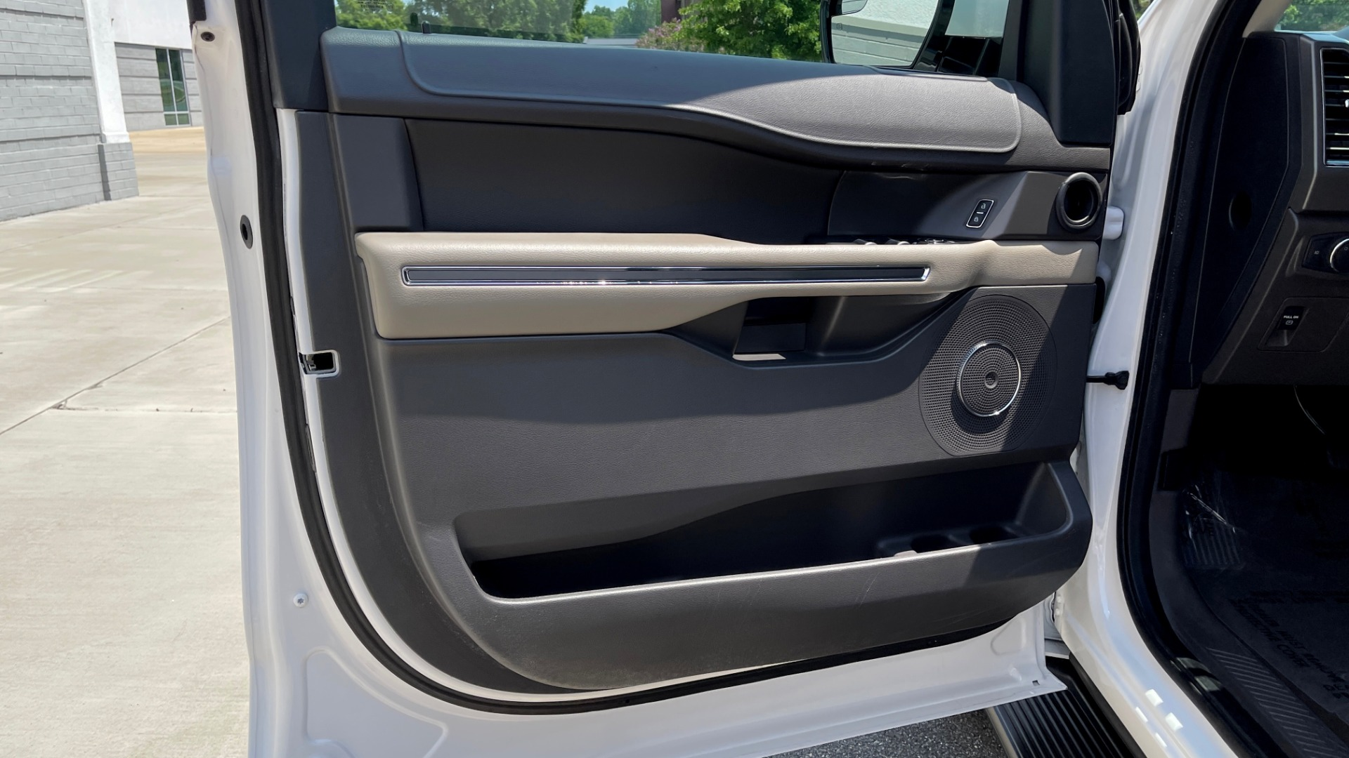 Used 2019 Ford EXPEDITION MAX XLT / 3.5L ECOBOOST / NAV / PANO-ROOF / 3-ROWS / REARVIEW for sale Sold at Formula Imports in Charlotte NC 28227 26