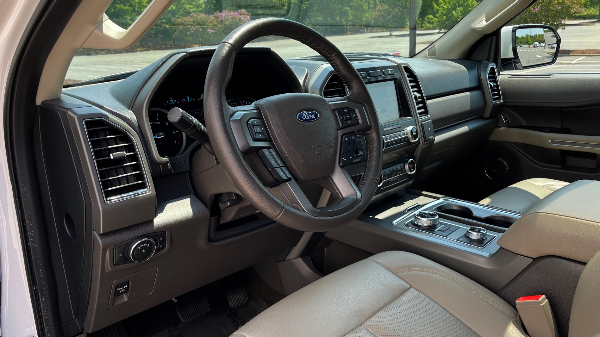 Used 2019 Ford EXPEDITION MAX XLT / 3.5L ECOBOOST / NAV / PANO-ROOF / 3-ROWS / REARVIEW for sale Sold at Formula Imports in Charlotte NC 28227 31