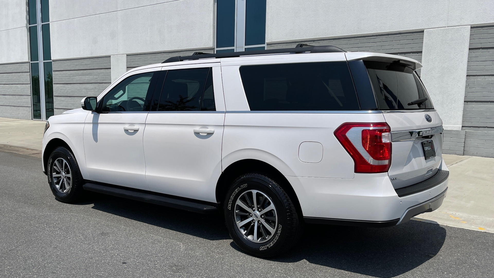 Used 2019 Ford EXPEDITION MAX XLT / 3.5L ECOBOOST / NAV / PANO-ROOF / 3-ROWS / REARVIEW for sale Sold at Formula Imports in Charlotte NC 28227 5