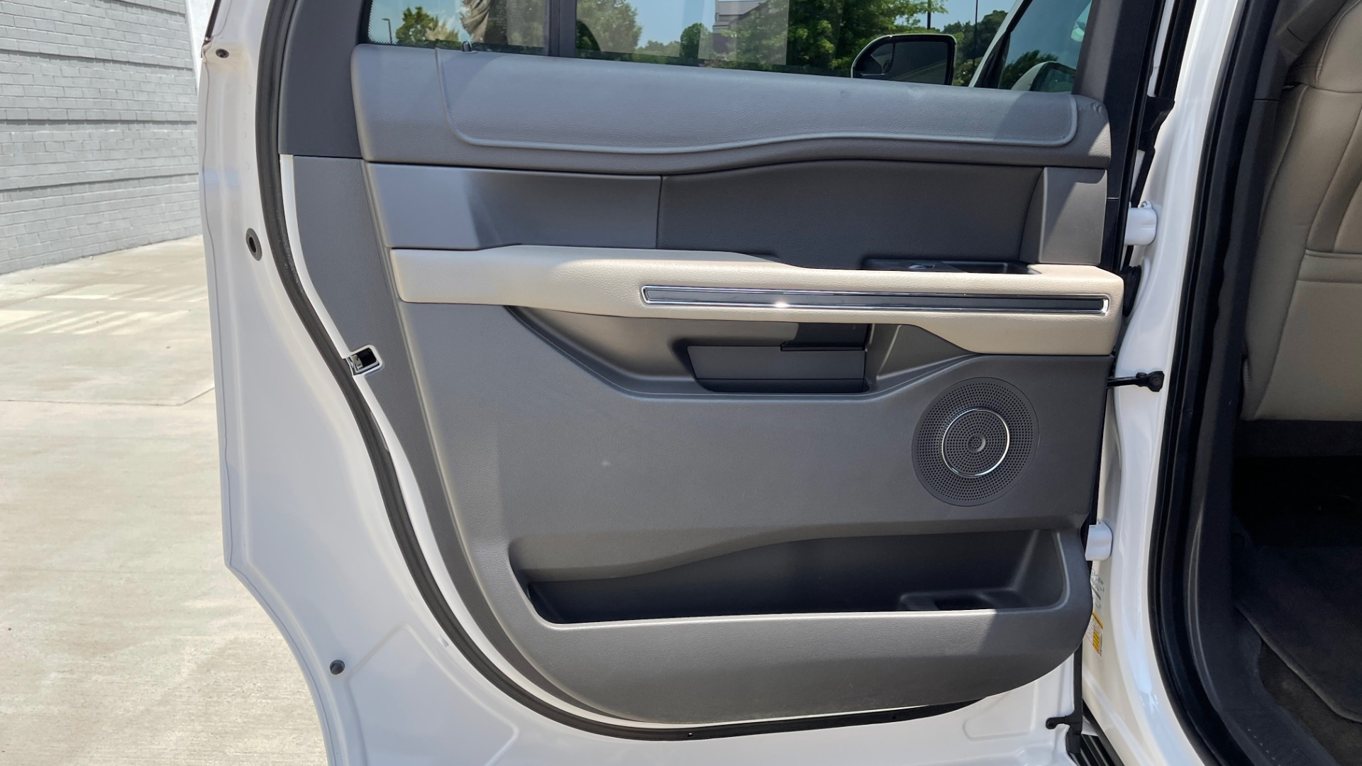 Used 2019 Ford EXPEDITION MAX XLT / 3.5L ECOBOOST / NAV / PANO-ROOF / 3-ROWS / REARVIEW for sale Sold at Formula Imports in Charlotte NC 28227 54