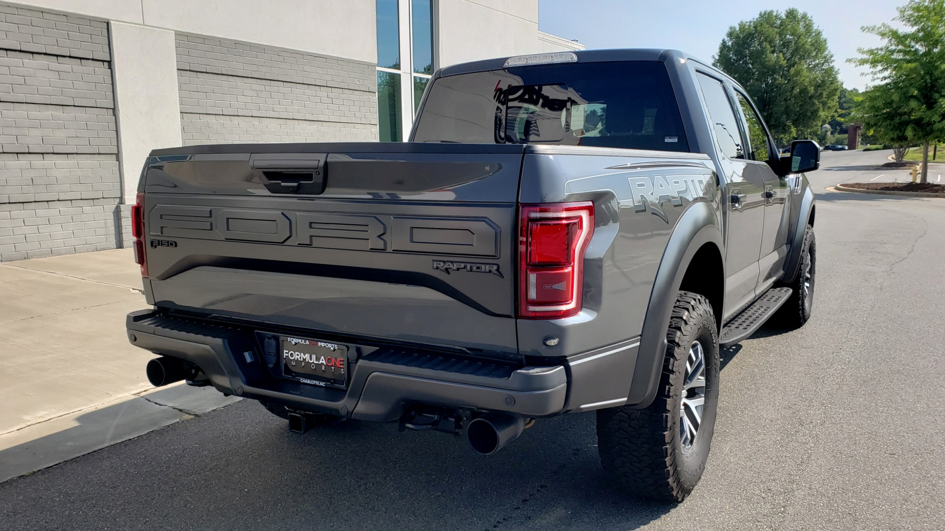 Used 2018 Ford F-150 RAPTOR 4X4 SUPERCREW / NAV / PANO-ROOF / REARVIEW for sale $69,999 at Formula Imports in Charlotte NC 28227 2