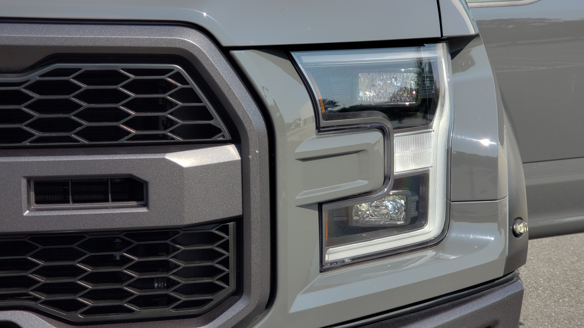 Used 2018 Ford F-150 RAPTOR 4X4 SUPERCREW / NAV / PANO-ROOF / REARVIEW for sale $69,999 at Formula Imports in Charlotte NC 28227 25