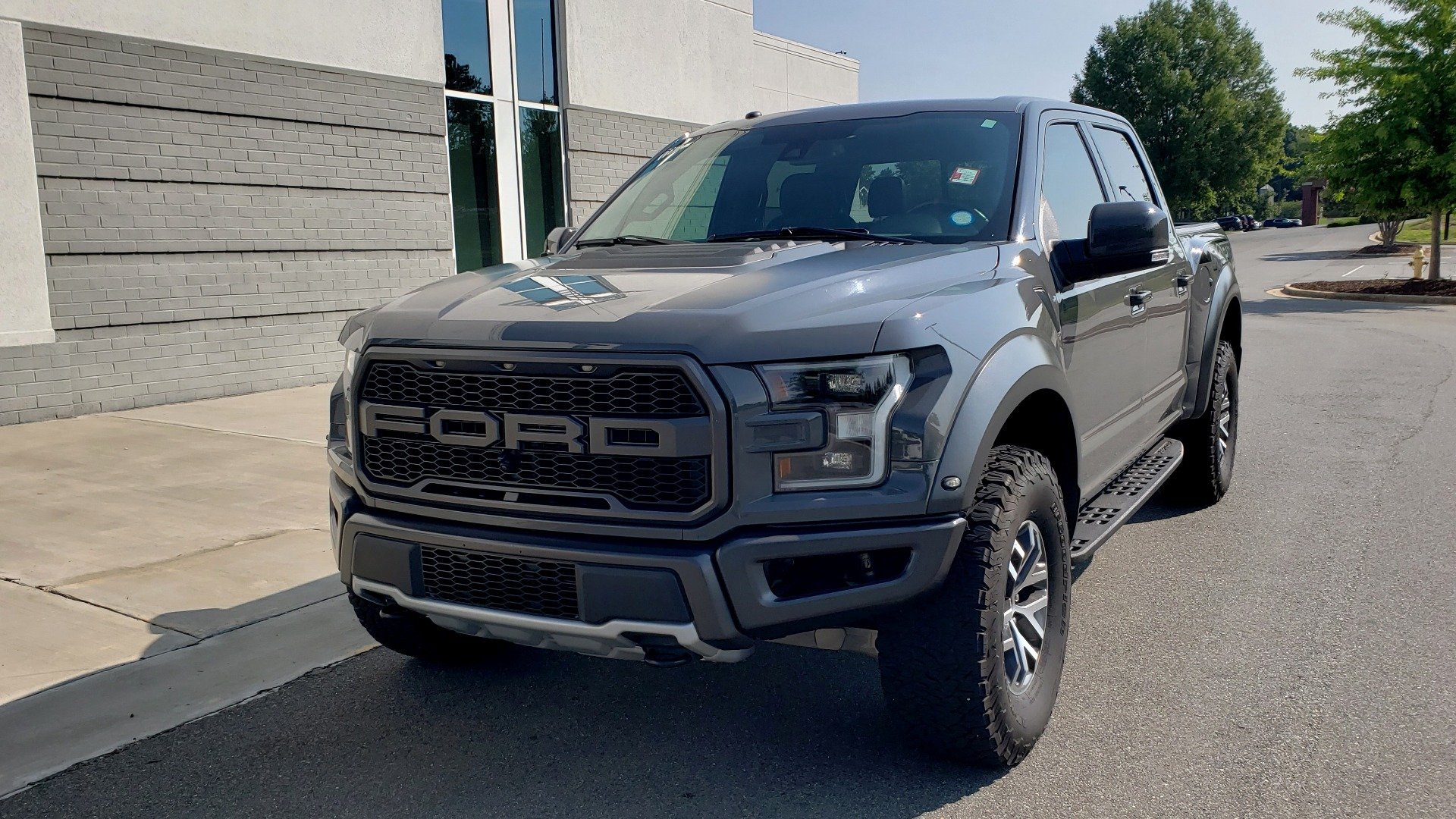 Used 2018 Ford F-150 RAPTOR 4X4 SUPERCREW / NAV / PANO-ROOF / REARVIEW for sale $69,999 at Formula Imports in Charlotte NC 28227 4