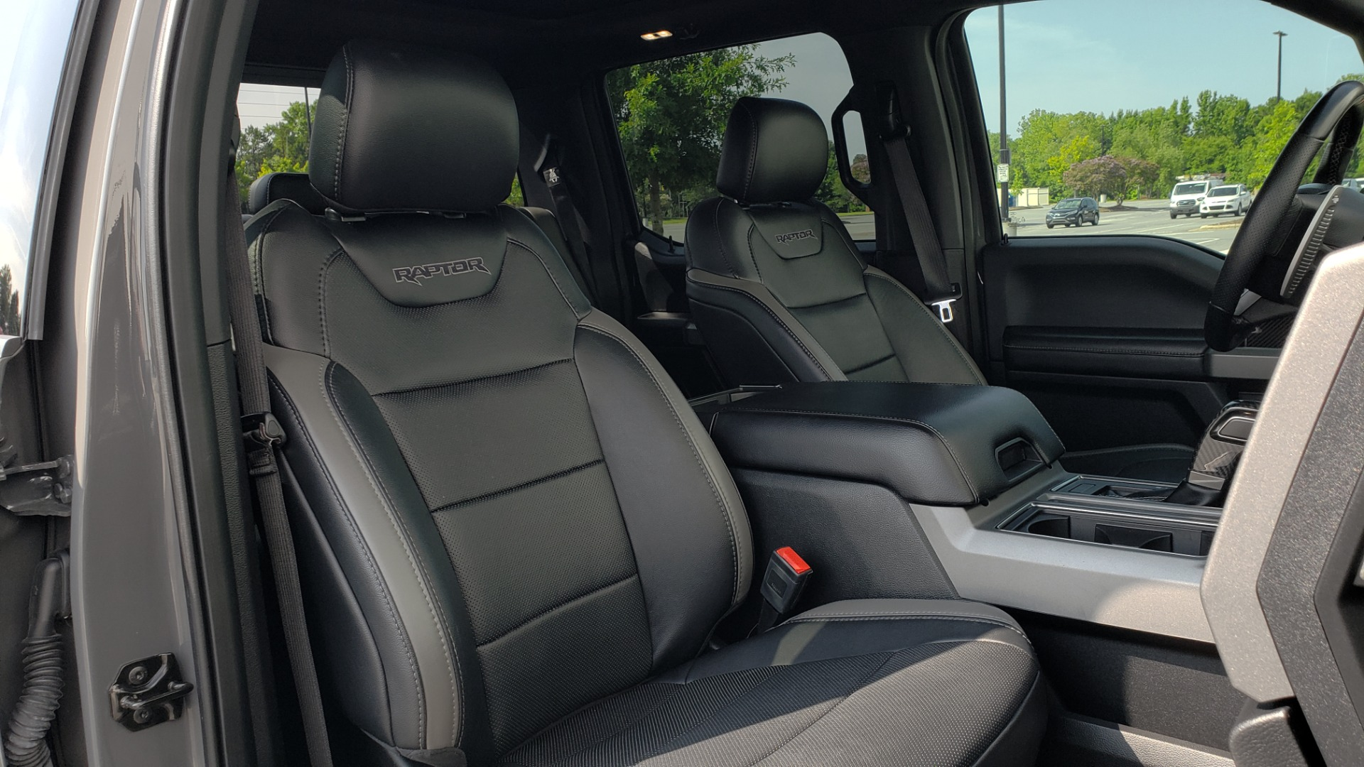 Used 2018 Ford F-150 RAPTOR 4X4 SUPERCREW / NAV / PANO-ROOF / REARVIEW for sale $69,999 at Formula Imports in Charlotte NC 28227 76